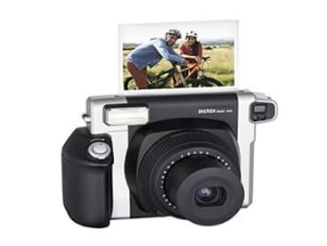 FujiFilm Instax Wide Polaroid camera huren op uw bruiloft